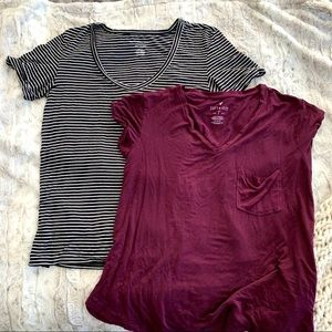 American Eagle Soft & Sexy V Neck T-shirt Bundle 2